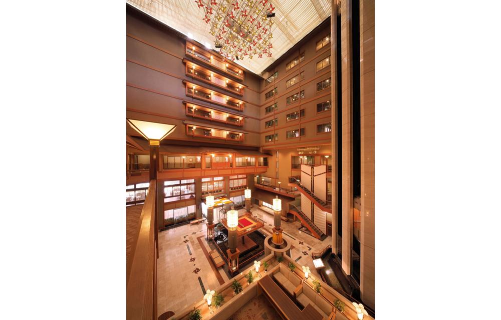 旅館中心部分的樓梯井