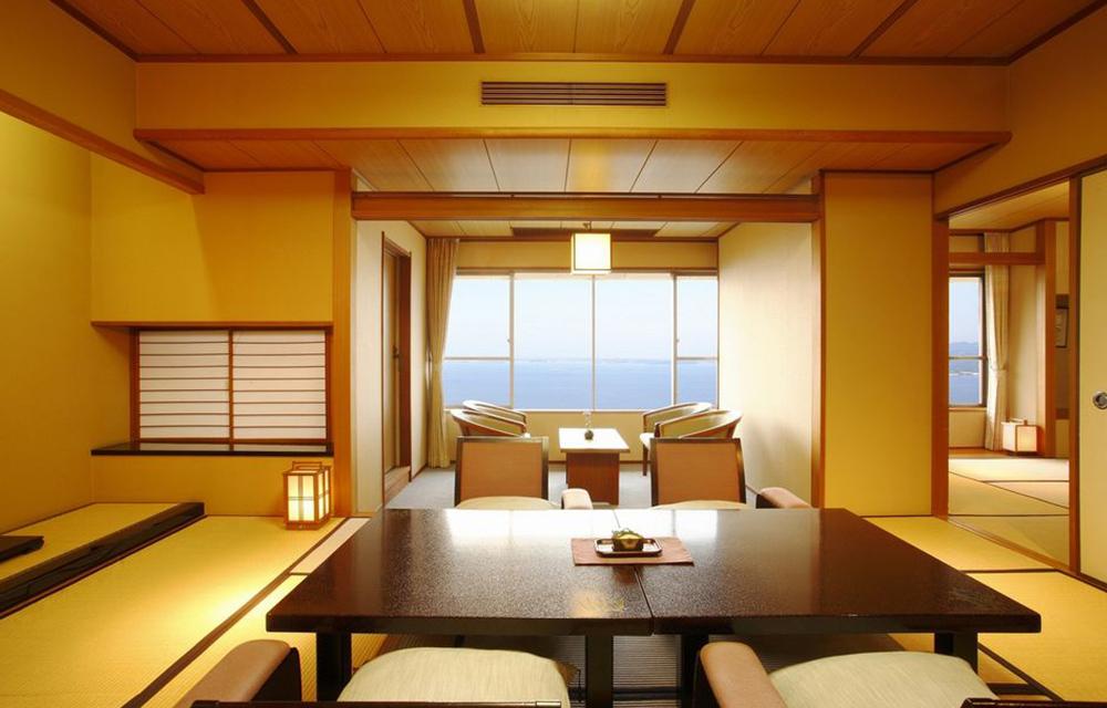 浜名湖を望む客室