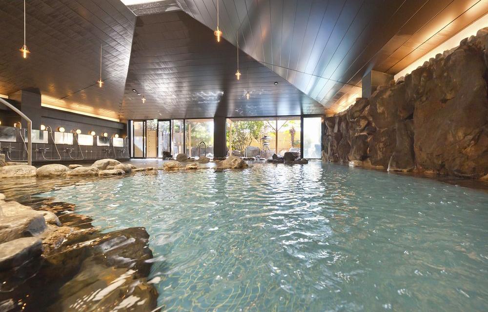 岩石溫泉浴池