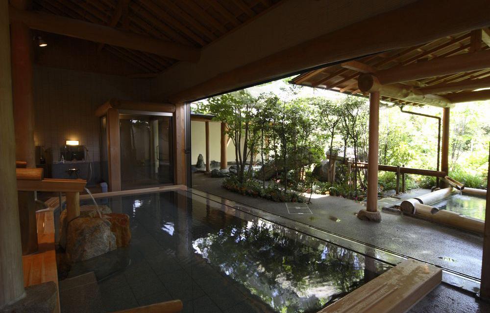 花照露天溫泉浴池