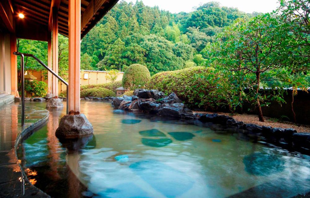 景觀露天溫泉浴池