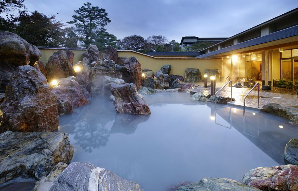 庭園大露天溫泉浴池